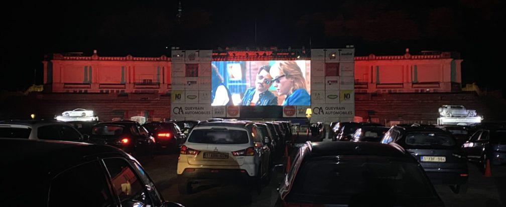 Film sur un écran de Cinéma Drive à Namur